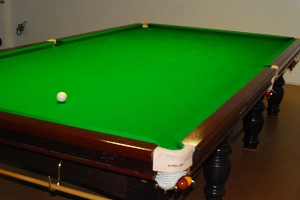 build snooker room - snooker crazy - 31 - Handmade snooker-cues