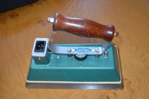 Dowsing Snooker Table Iron 4