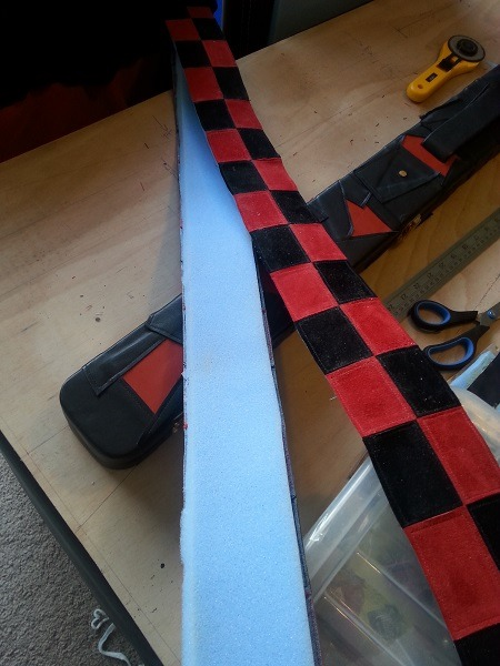 Snooker Crazy - Making a Leather Snooker Case 22