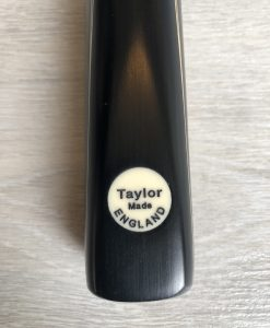 Taylor Made TM4 Snooker Cue 1