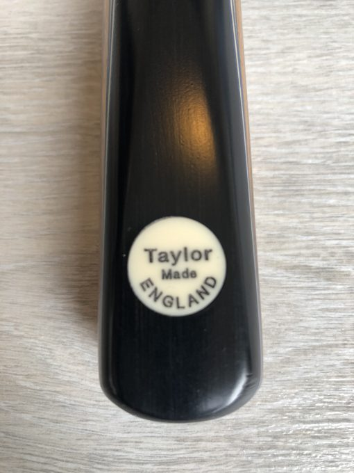 Taylor Made TM6 Snooker Cue 1