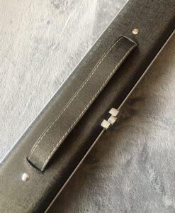 1 piece aluminium 2 channel Dark Grey cue case 1